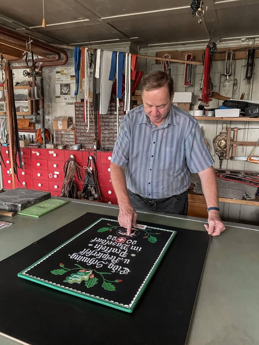 Handwerkskunst als Festplakat – Entstehung des Festplakats  | Eidgenössisches Schwing- und Älplerfest Pratteln im Baselbiet | ESAF 2022
