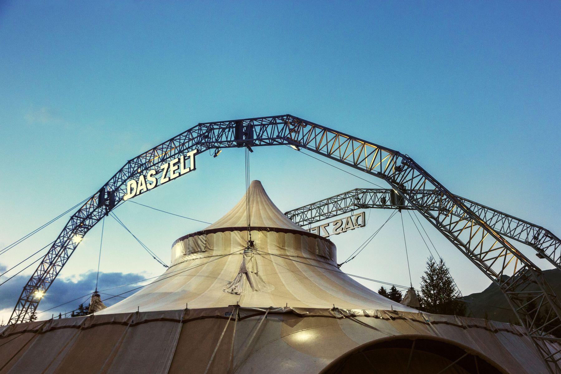 «DAS ZELT» in Pratteln, Eidgenössisches Schwing- und Älplerfest Pratteln im Baselbiet | ESAF 2022